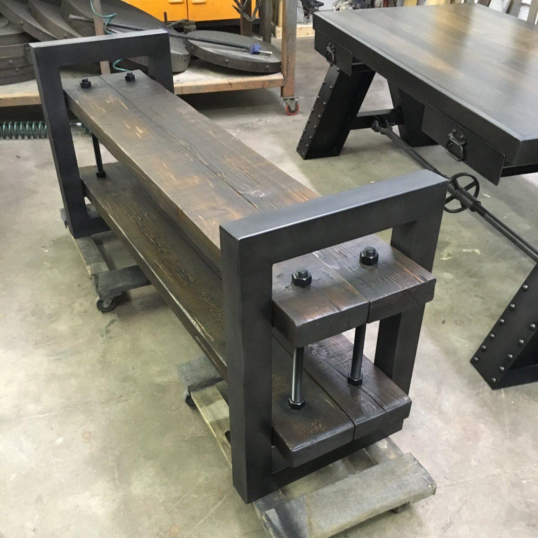 Lockharrt Shelving Accent Table En 2020 Ameublement Industriel Vintage Mobilier Remis A Neuf Et Mobilier De Salon