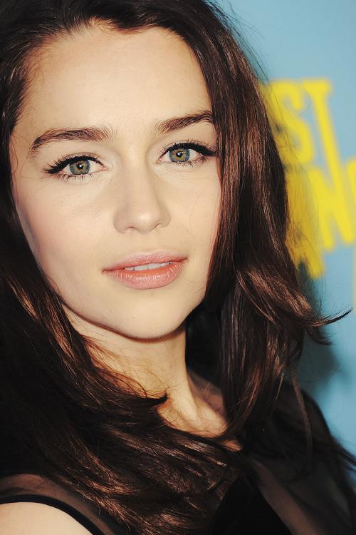 Emilia Clarke | Famosas | Pinterest | Mujeres bellas del mundo ...