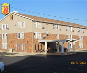 Super 8 Phone Number 217 324 7788 Address 211 Ohren Lane I 55 Exit 52 Litchfield Il 62056 Distance From Carlinville Appro Litchfield Hotels Room Hotel