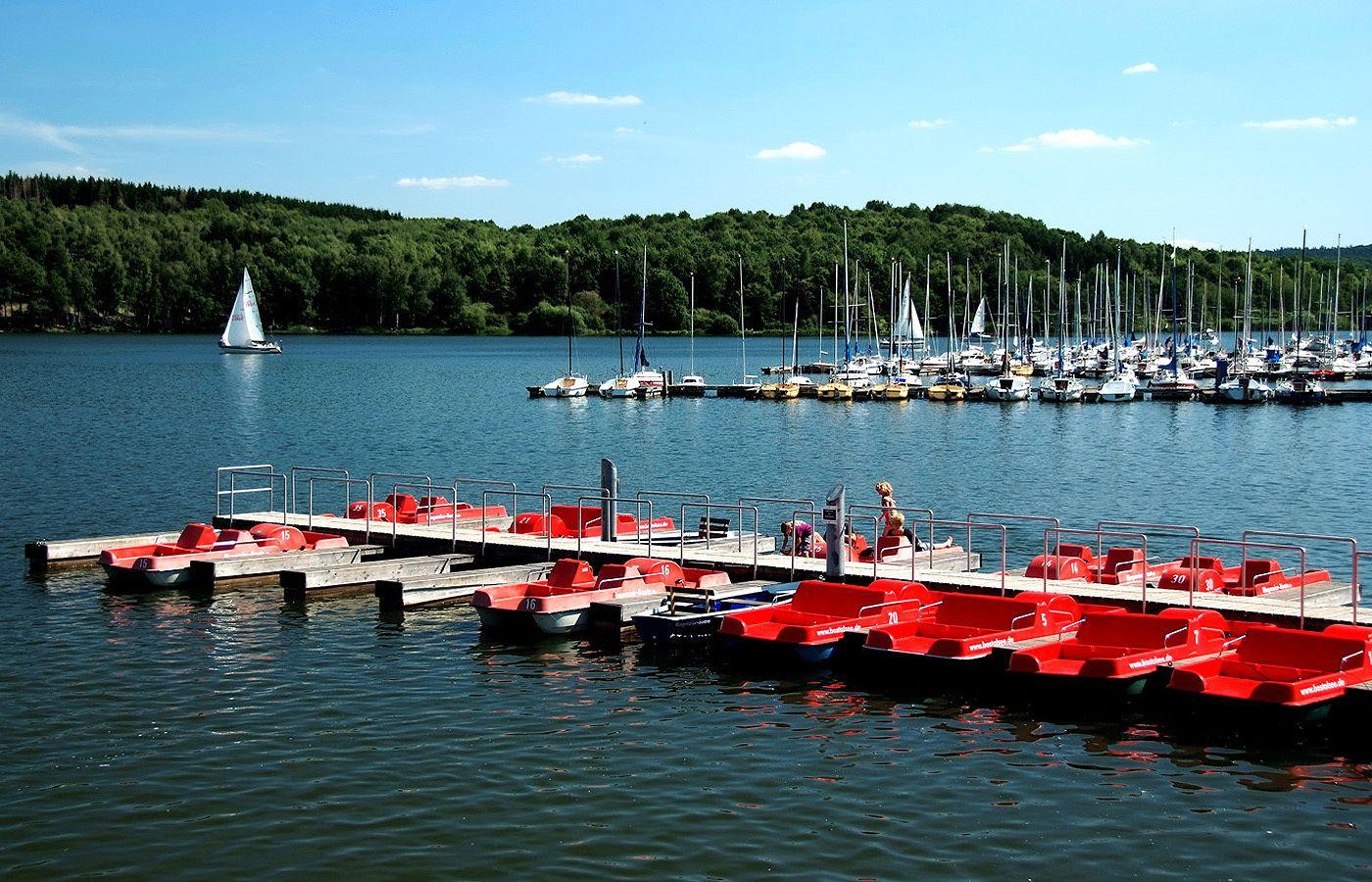 Gleich Feierabend. ...  Noch genüügend Zeit, diesen tollen Freitag zu genießen. Vielleicht am oder auf dem Bostalsee ? :-)