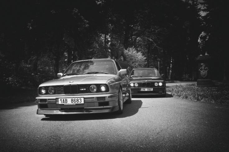 Matěj Žovinec vzal dva krásné historické kousky na výlet a naštěstí nezapomněl fotit. Paráda! #BMWstories