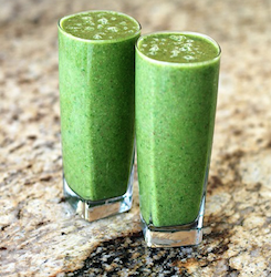Delicious Breakfast Banana Green Smoothie   Ingredients 2 cups baby spinach leaves, or to taste 1 banana 1 carrot,