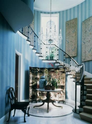 Wow, not sure I want it in my home but it is breathtaking.  From Michael D. Smith's book - Elements of Style
