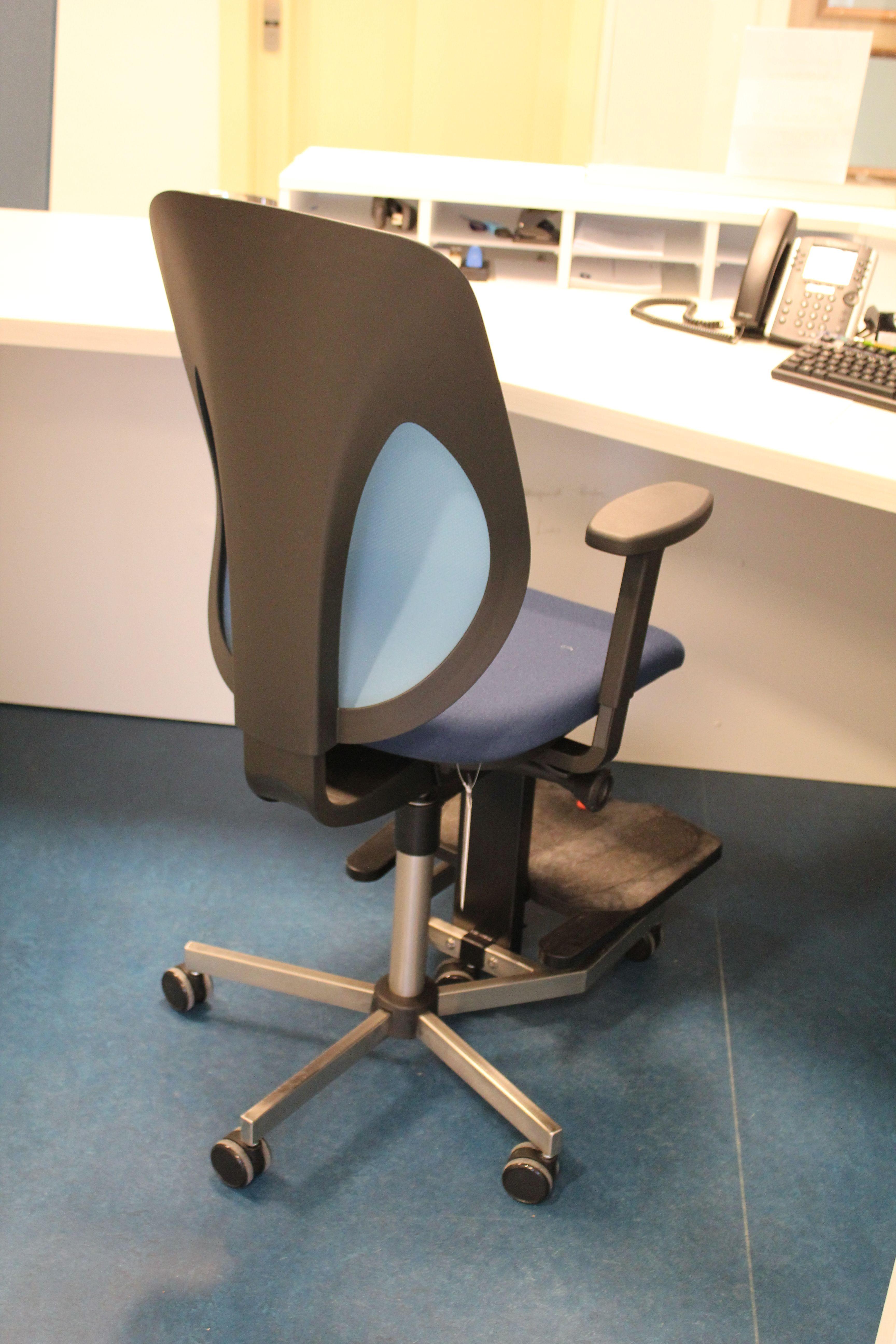Bureaustoel Met Voetsteun.Verhoogde Giroflex Bureaustoel Met Voetensteun