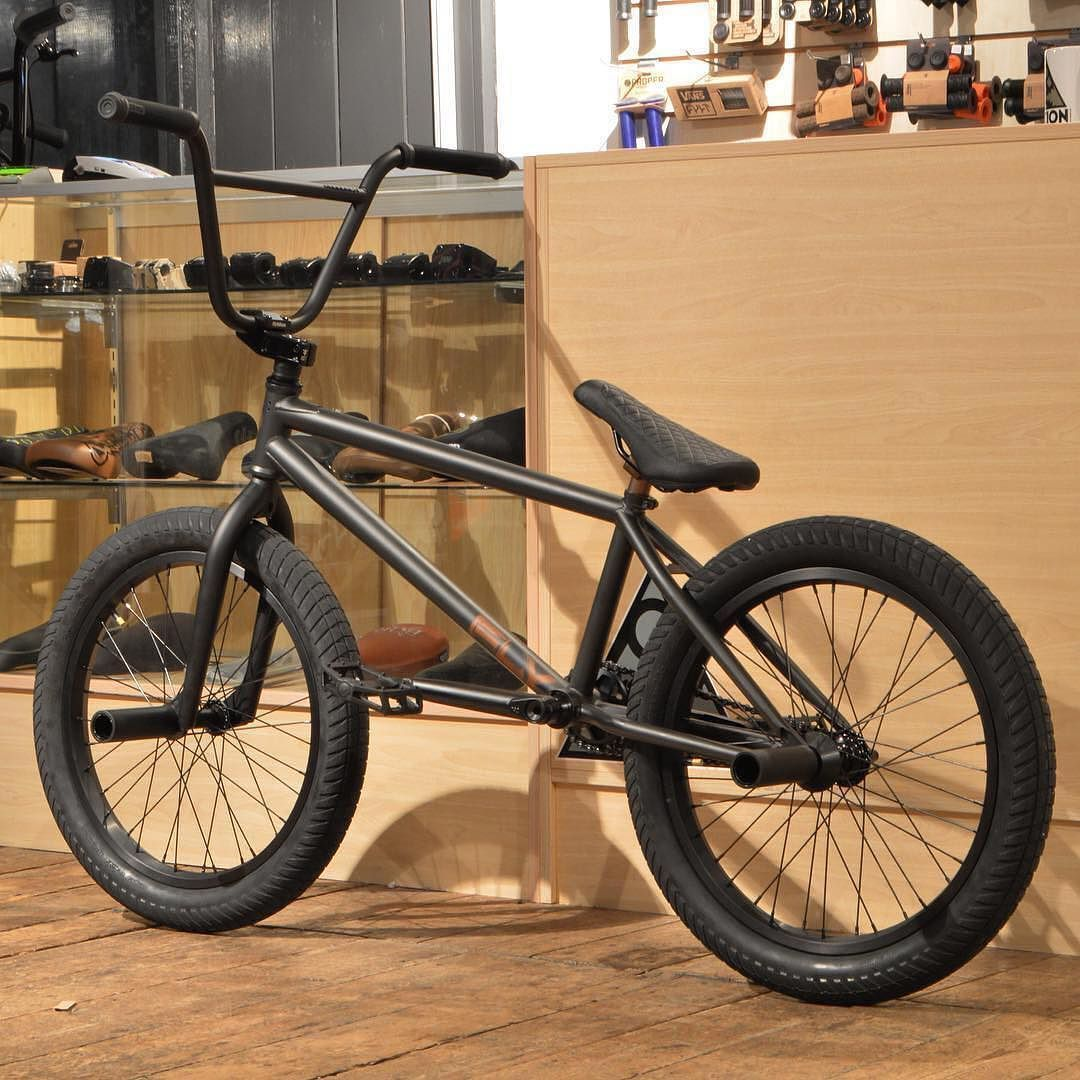 Our Friends At Motion Bmx Built Up This Custom Flybikes Geo Frame With Mostly All Flybikes Parts Except For The Seat And Rear Hub H Bmx Bikes Bmx Bicycle Bmx