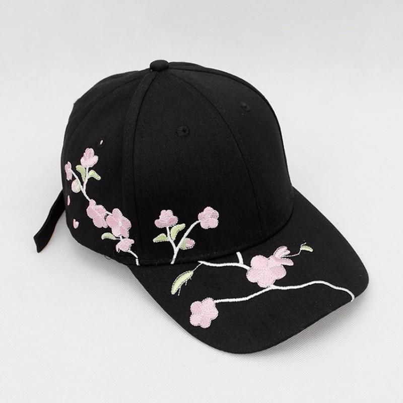 Women Summer Hats Symmetrical Flower Embroidery Built-in Insulation Knitted Hats Baseball Cap Adjustable