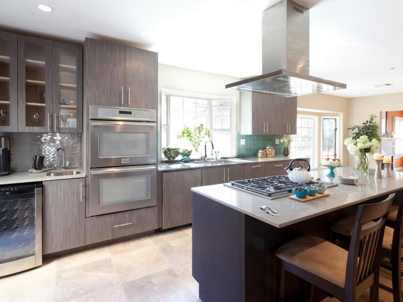 Should kitchen cabinets go to the ceiling? Kitchen cabinet ...