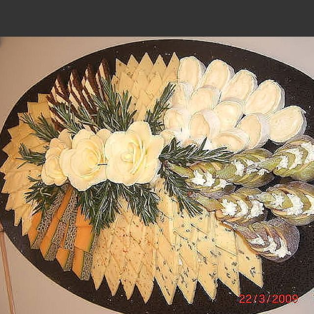 Cheese And Fruit Platter Kaseplatte Selber Machen Obstplatten Obstplatte