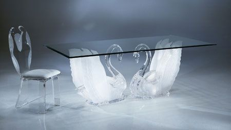 matching-swan-chair-and-table