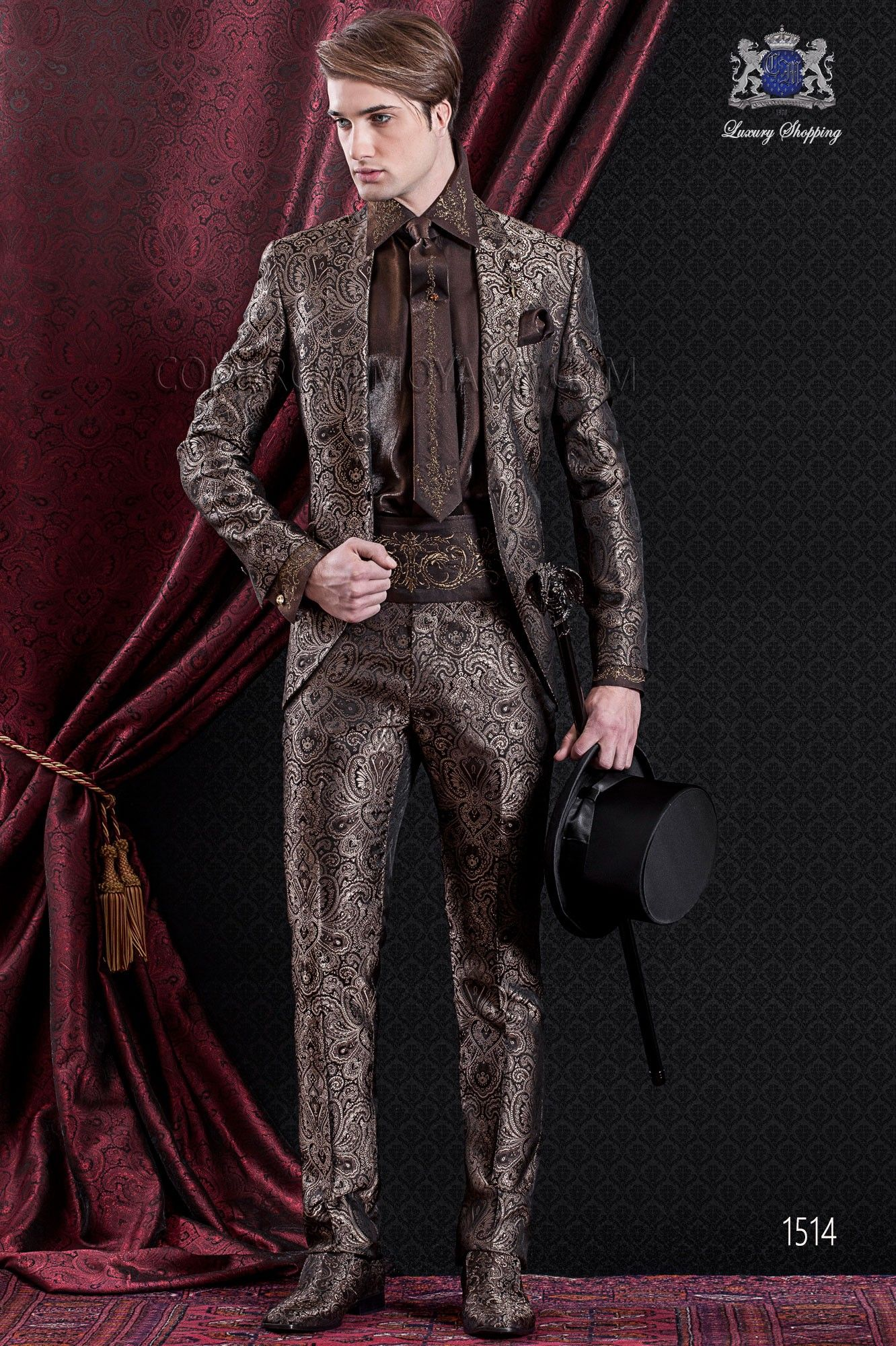 Groomswear Baroque. Vintage suit coat in brown and gold