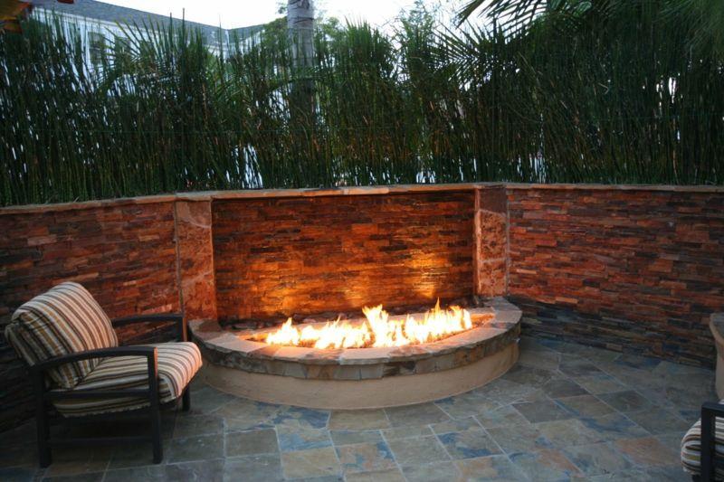feuerstelle designs halbrund mauer stuhl polster streifen bambus sichtschutz #bambussichtschutz