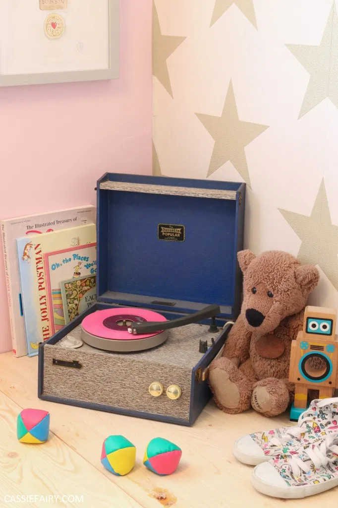 Why vintage record players are essential home décor at