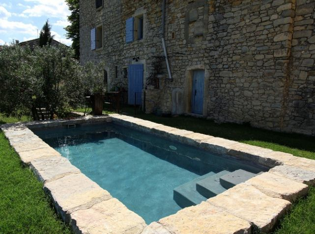 Piscine exterieure pierre piscines pinterest piscine for Bassin piscine pierre