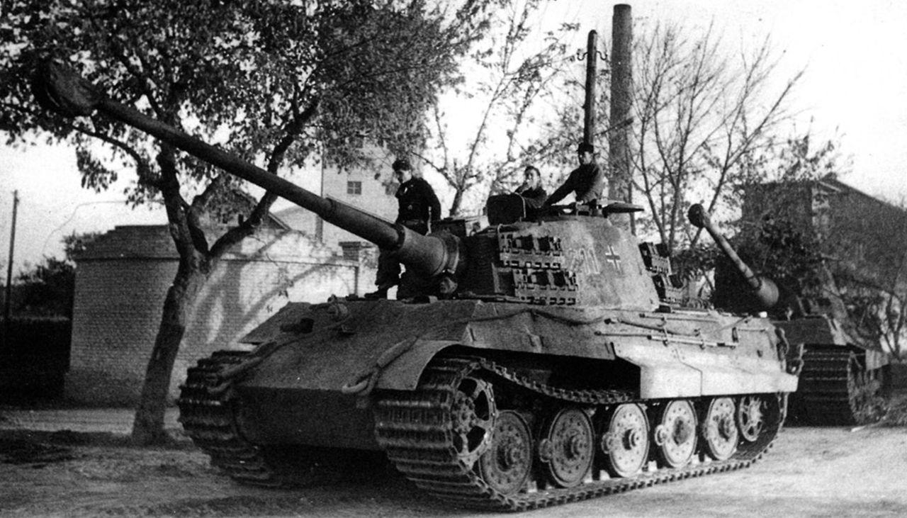 """Képtalálat a következőre: """"Gyongyos tank"""""""