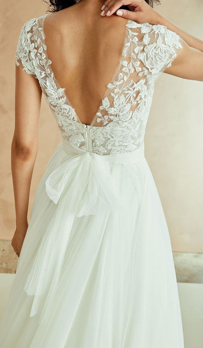 Wedding Dresses With Gorgeous Back Details - Unique wedding dress #weddingdress #weddinggown #civilweddingdresses