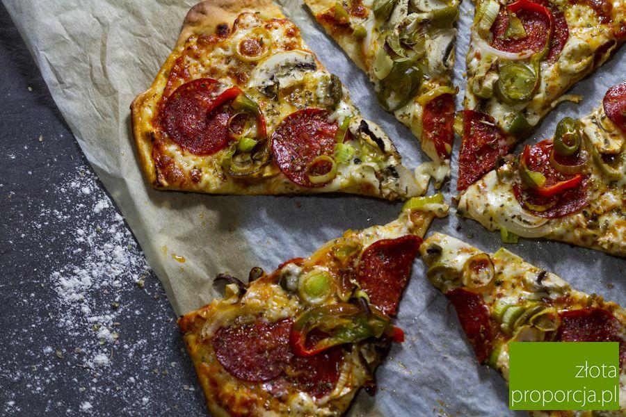 Jak Zrobic Prawdziwa Wloska Pizze Zlota Proporcja Food Vegetable Pizza Vegetables