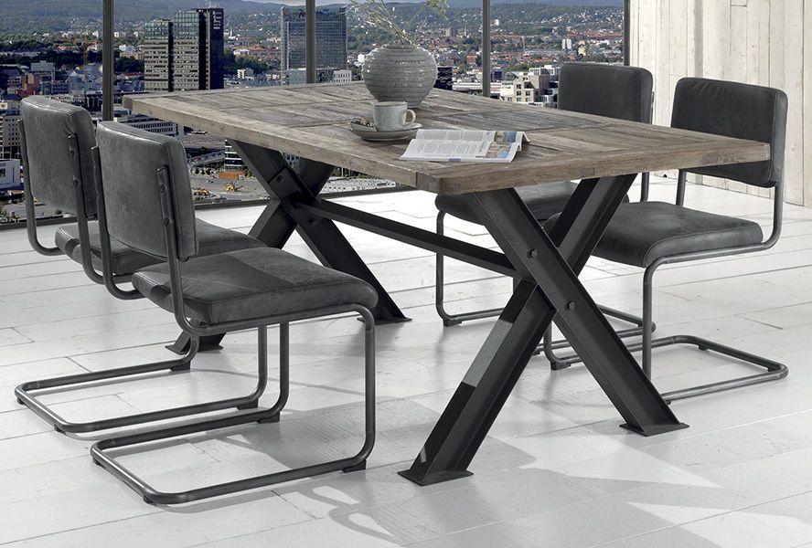 Decouvrez Nos Collections De Meuble Au Style Industriel Table Industrielle Table Salle A Manger Deco Salle A Manger