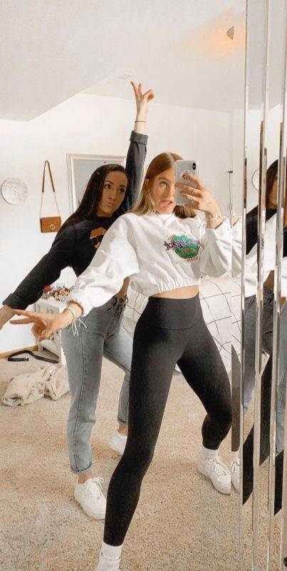 VSCO Besties Best Friends Sleepover Aesthetic Mirror Selfie Comfy Casual Wear Stylish Outfit Inspo