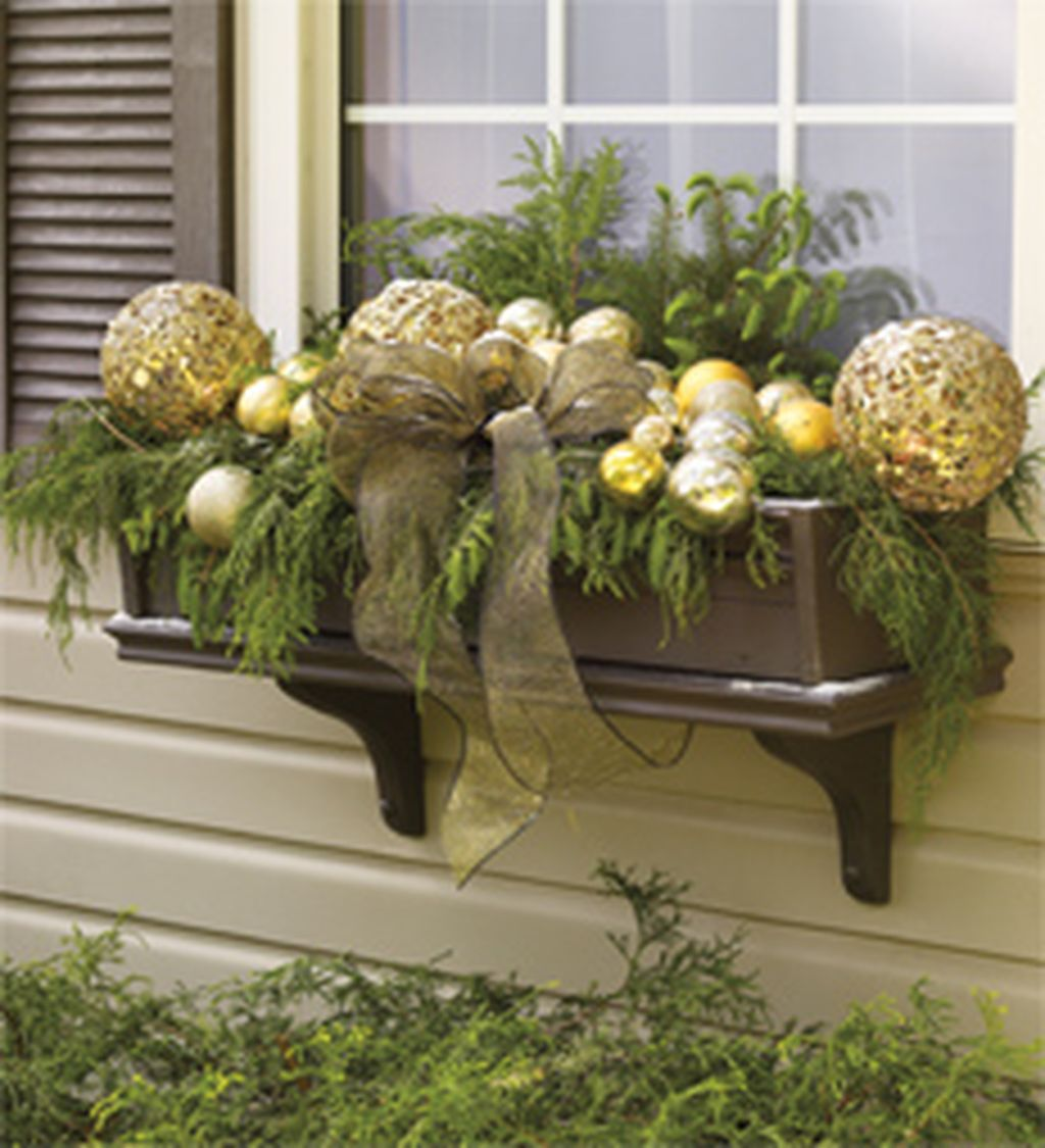 87 cheap and easy fall window boxes ideas - Christmas Window Box Ideas