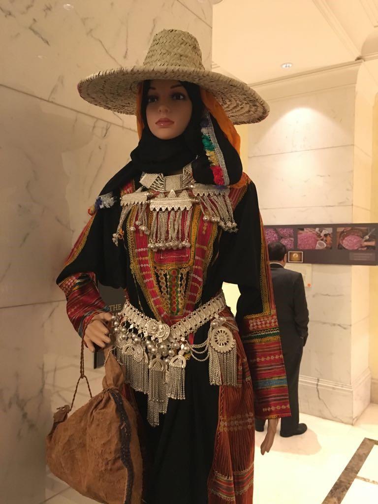 الازياء السعودية المرسال Fashion Traditional Outfits Clothes