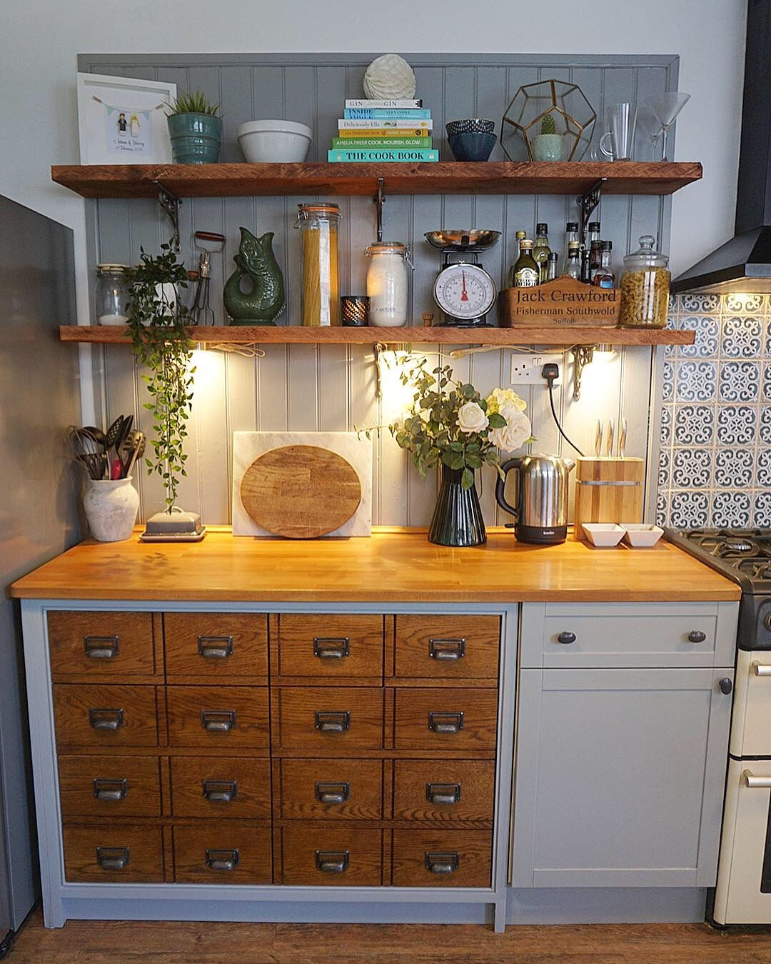 Pin By Courtney Wesson On Konyhak Kitchen Cabinet Styles Cabinet Decor Home Decor