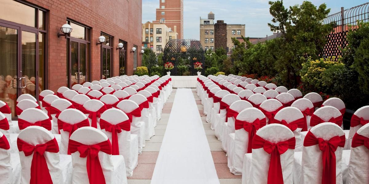 Sheraton Laguardia East Hotel Weddings Price Out And Compare Wedding Costs For Wedding Ceremony And Reception Venu Wedding Prices Hotel Wedding Wedding Costs