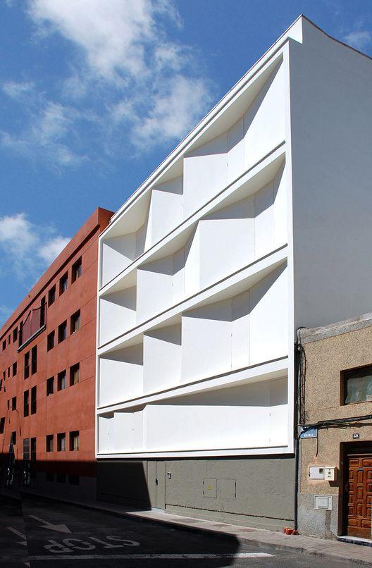 Cortesia de Romera y Ruiz Arquitectos