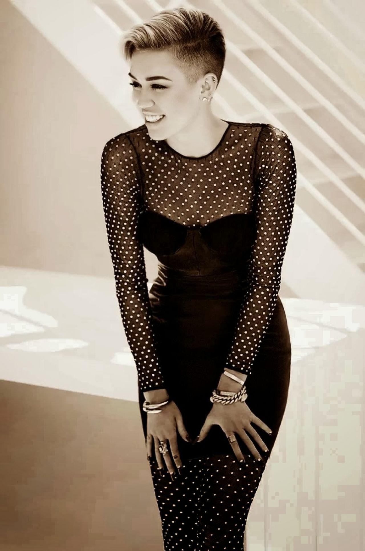Miley Cyrus - Vogue.it