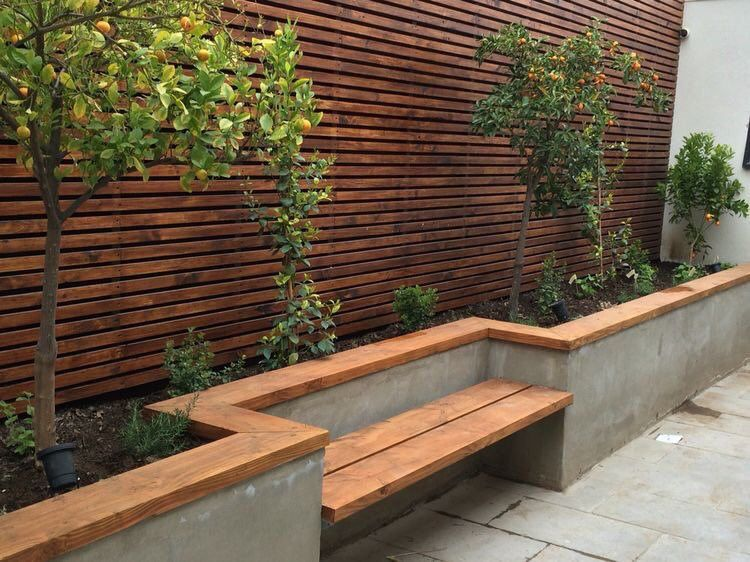حديقة البيت On In 2020 Built In Garden Seating Backyard Garden Design Garden Seating