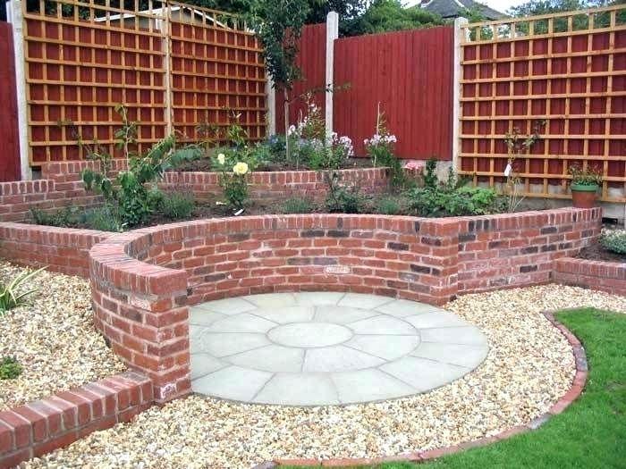 Curved Garden Wall Curved Brick Garden Walls Curved Rendered Garden Wall A  Sunny Corner Curved Garden