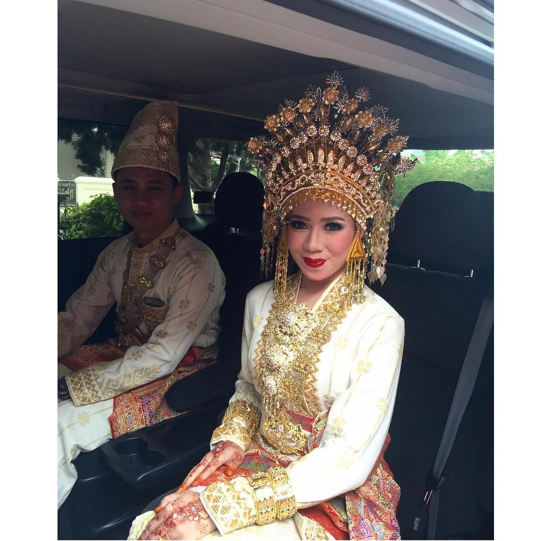 Today.. makeup wedding Adat melayu dr.fathur & dr.winda