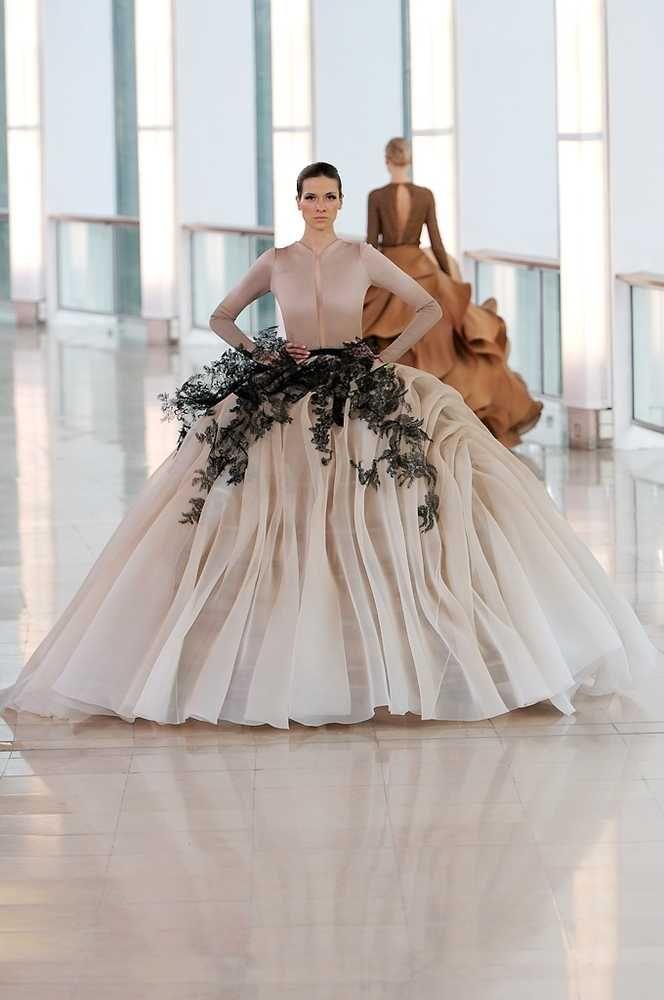 Stephane Rolland Spring/Summer 2015 | Fashion, Trends, Beauty Tips & Celebrity Style Magazine | ELLE UK