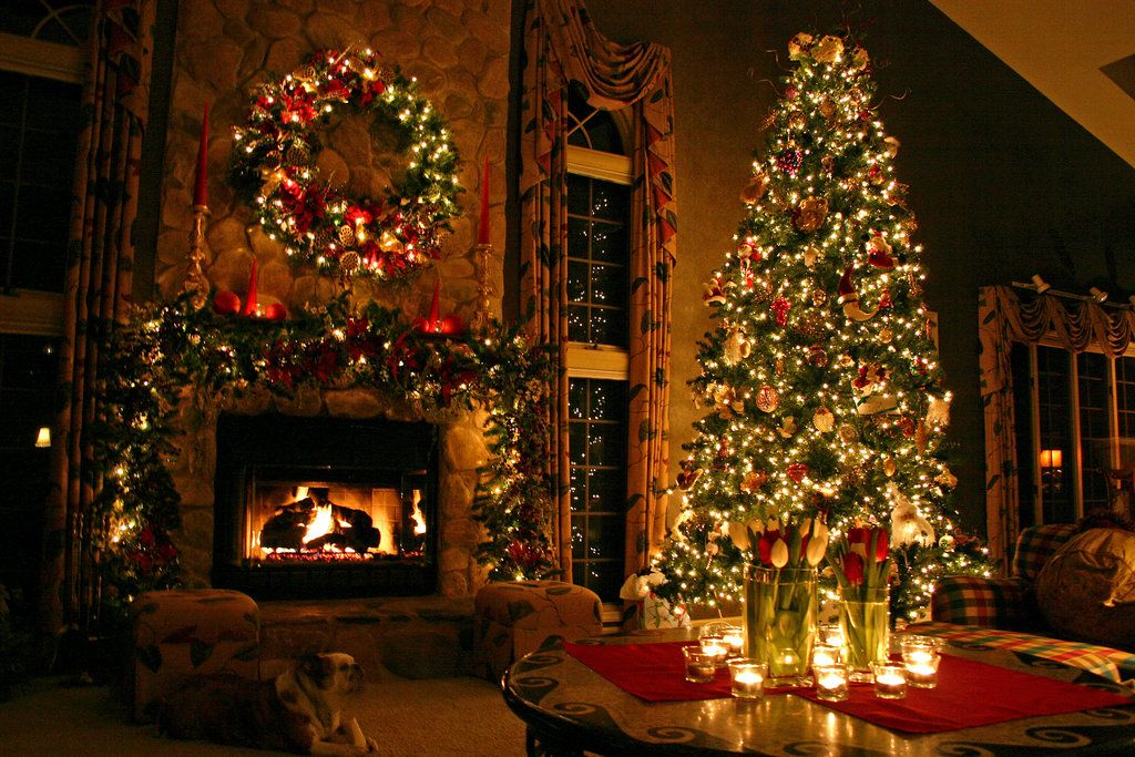 Christmas Tree by DreAminginDigITal.deviantart.com