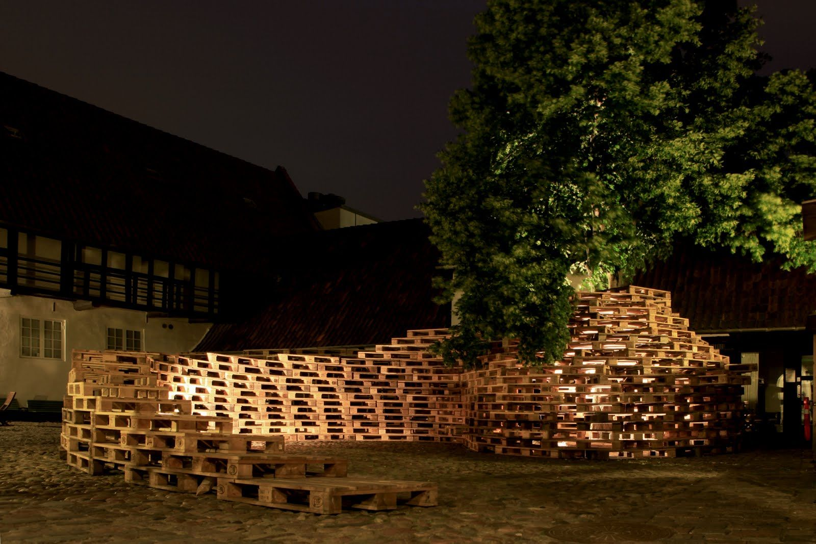 Theatre Set Pallets | kobberling and kaltwasser: jellyfish theatre