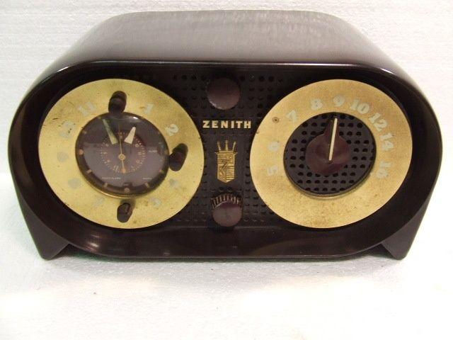 bakelite clock radio | 1950 Zenith G516 OWL Bakelite Clock