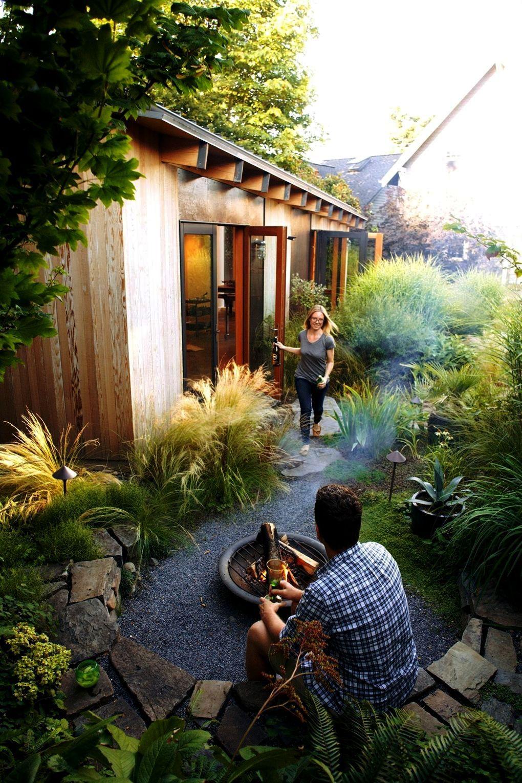 Landscape Gardening South East London Yet Modern Landscape And Design Medford Ny Underneath Modern Front Landscape D Gartengestaltung Hinterhofideen Gartenraum