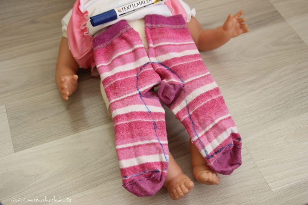 DIY - so nähst du Strumpfhosen für die Puppe aus alten Socken und Strümpfen #bonecas