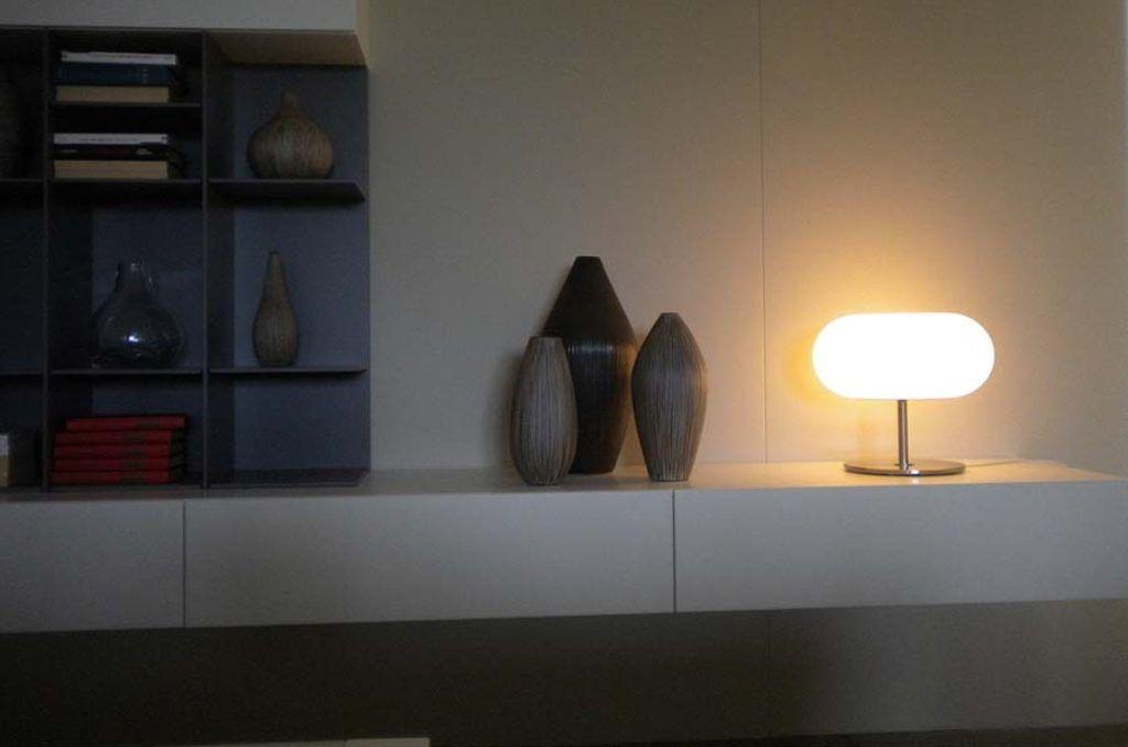 Moderna lampada da terra in ferro personalità del metallo di stile