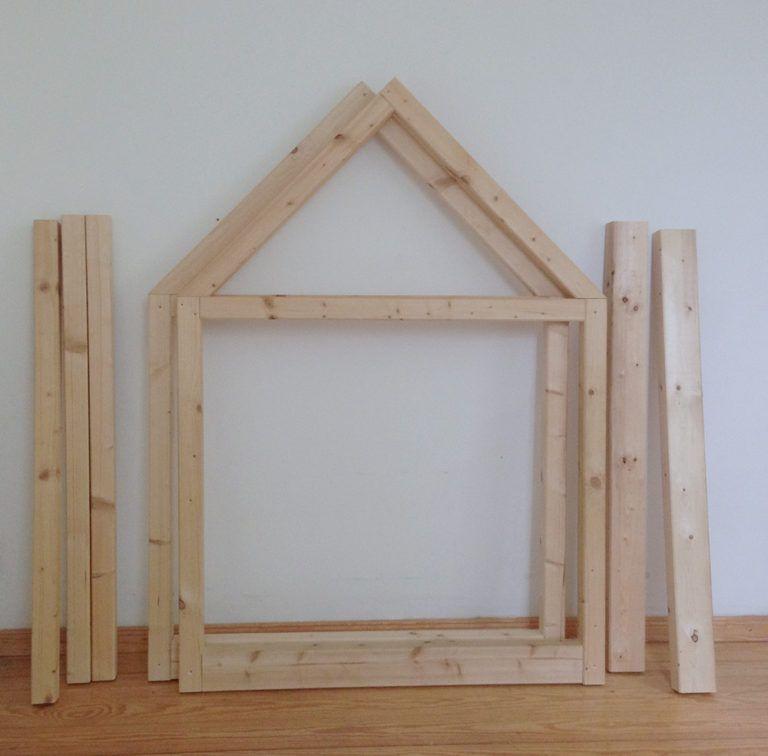 material f r ein kinder hausbett dachlatten kinderzimmer in 2019. Black Bedroom Furniture Sets. Home Design Ideas