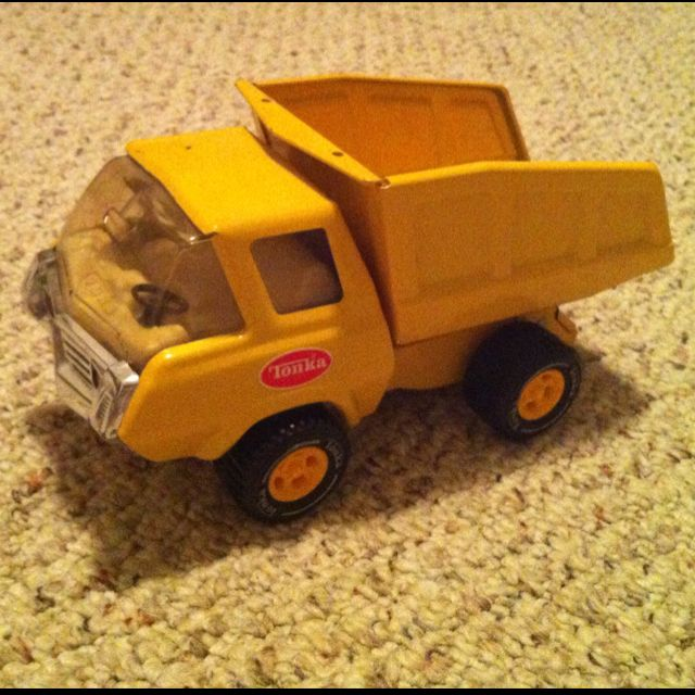 Tonka Metal Mini Yellow Dump Truck This Is A Picture Of The