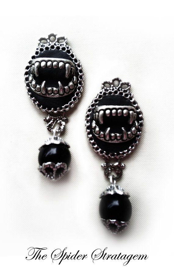 Get 20 Off Using The Code Vampirebite Only For 24h Gothic Victorian Stud Earrings Queen Of By Spiderstratagem 13 00