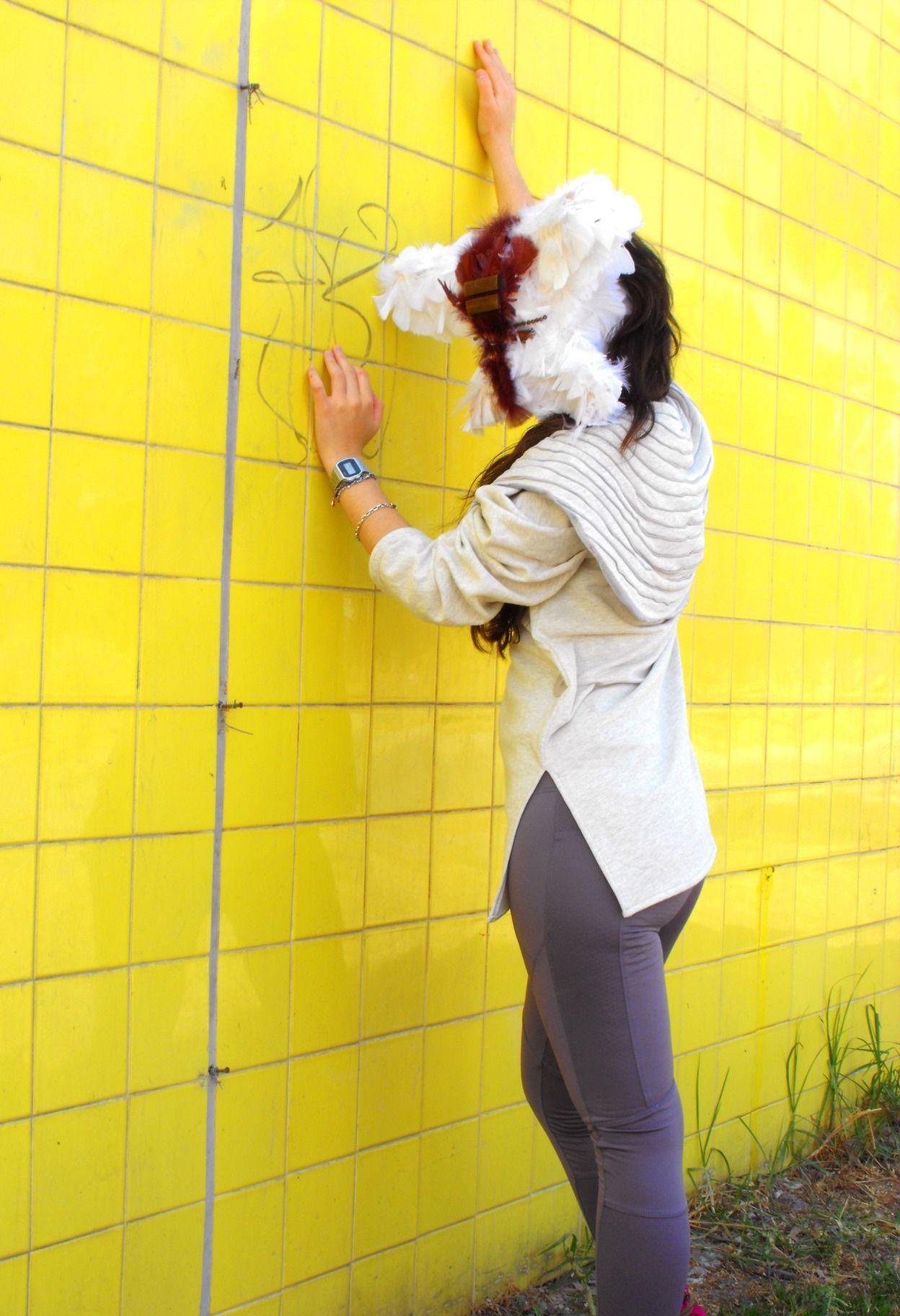 Sudadera con capucha en ribetes increible!!@LacayoPez Pasen a darle LiKE a nuestra página!! http://www.facebook.com/pages/Lacayo-Pez-Prendas-Experimentales/263209390376930?ref=ts=ts #FASHION #CLOTHES #CONCEPTUAL #ART #DESIGN