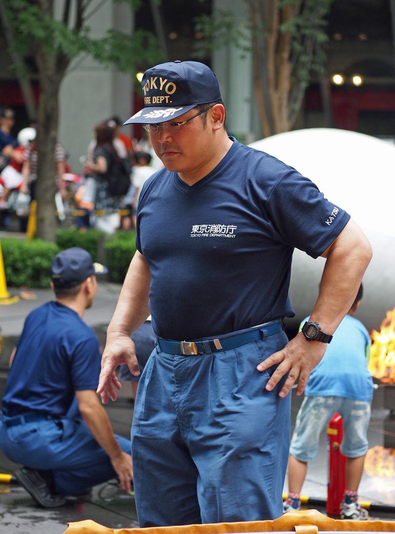 「IW」おしゃれまとめの人気アイデア Pinterest 許 文騰   消防士, ぽっちゃり男性, 男性警察官