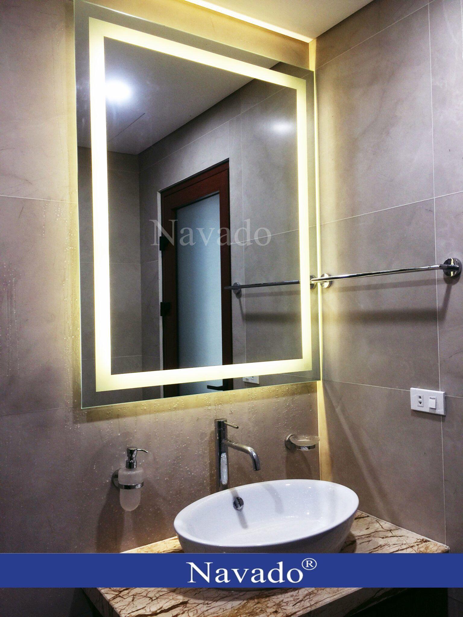 Gương phòng tắm có gắn đèn led hiện đại | Gương, Đèn led, Phòng tắm