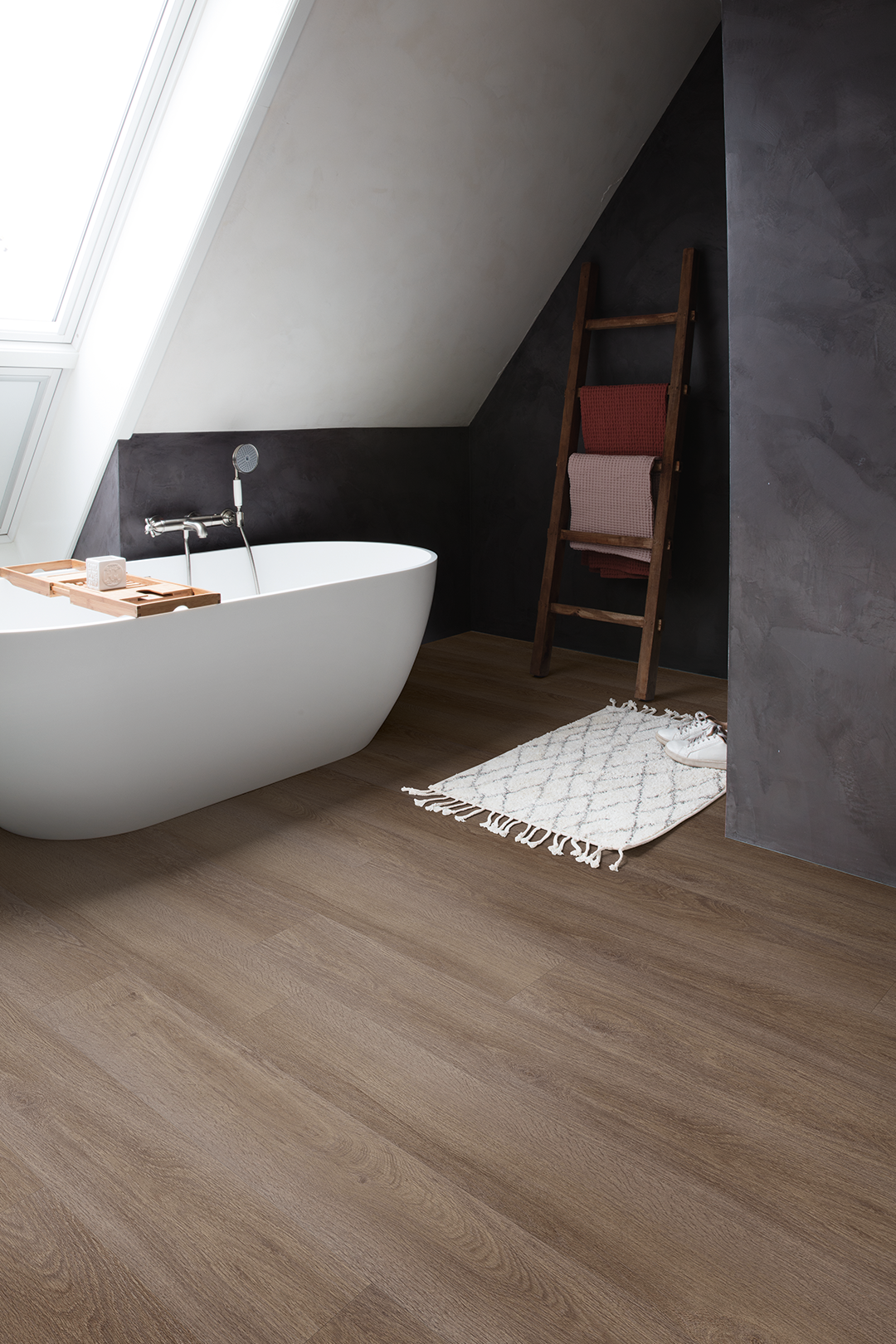 Vinyl Flooring Has A Couple Of Unique Qualities That Make It An Exceptionally Good Choice For Your Bat Bathroom Flooring Vinyl Flooring Bathroom Vinyl Flooring