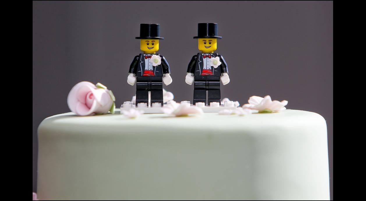 LEGO Wedding  Groom Best Man Minifig with Top Hat /& Bow Tie NEW Cake Topper