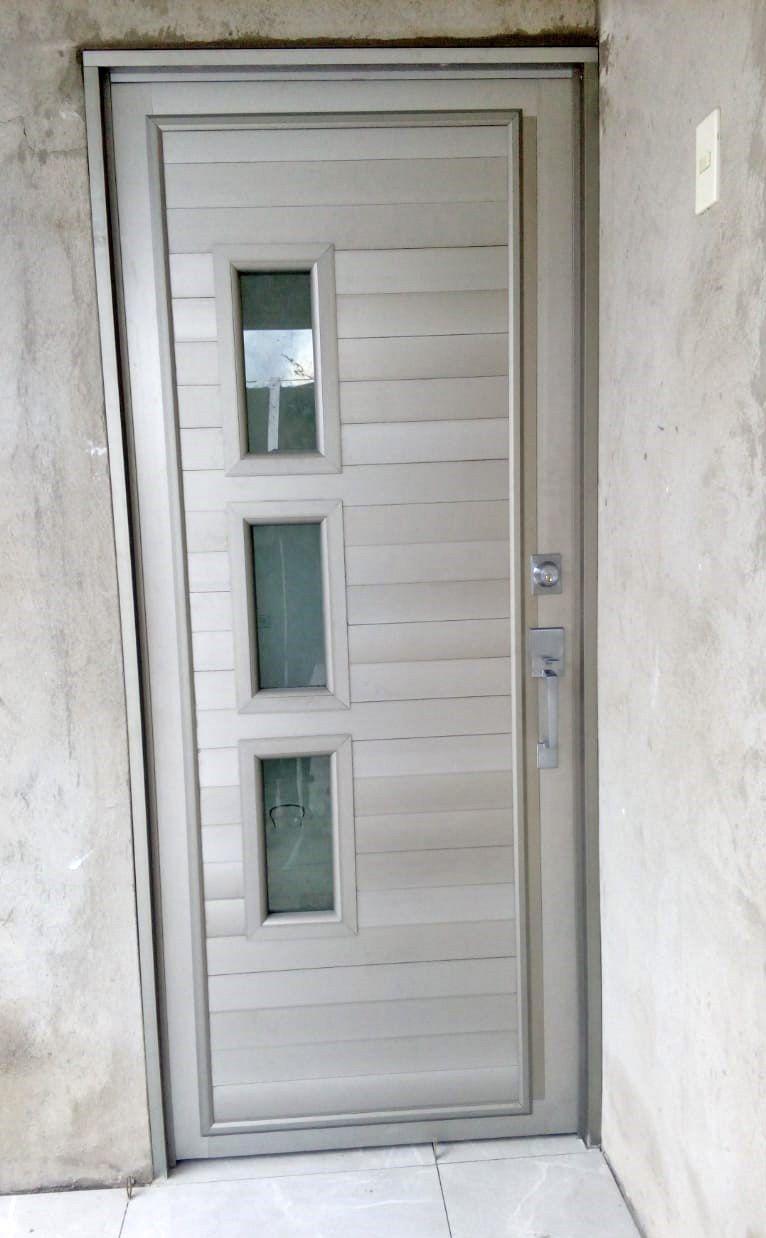 Puerta Entamborada En Aluminio Aluminio Puertas Tuberias