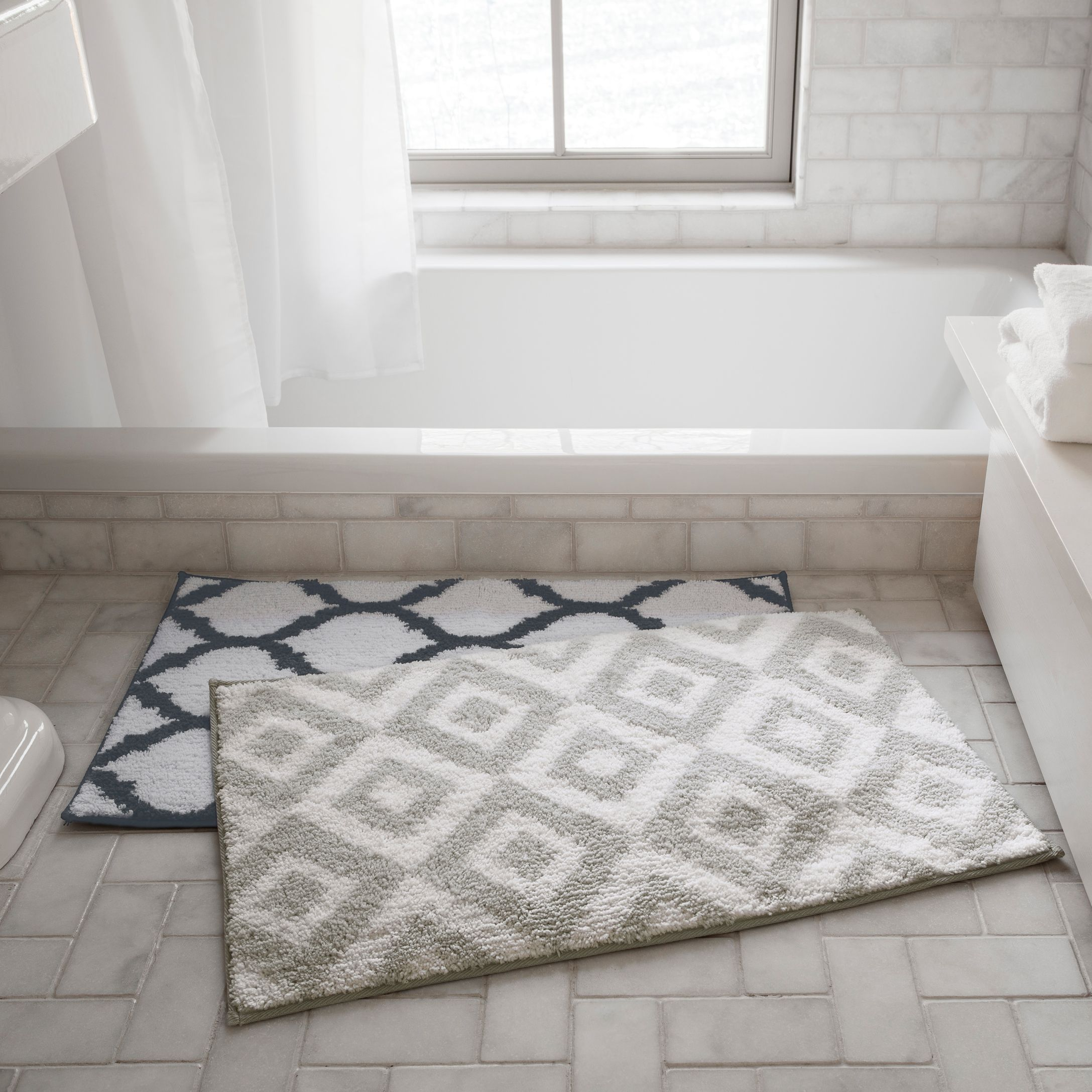 GEO PATTERN BATH MAT Simons Maisonsimons Decor Bathroom - Beige bath mat for bathroom decorating ideas