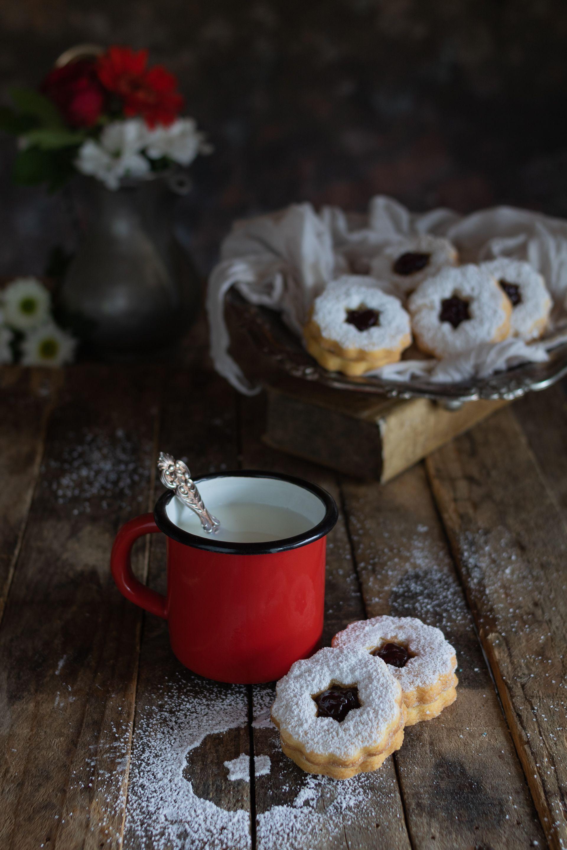 I Biscotti Occhi Di Bue Sono Dei Biscotti Classici Della Pasticceria
