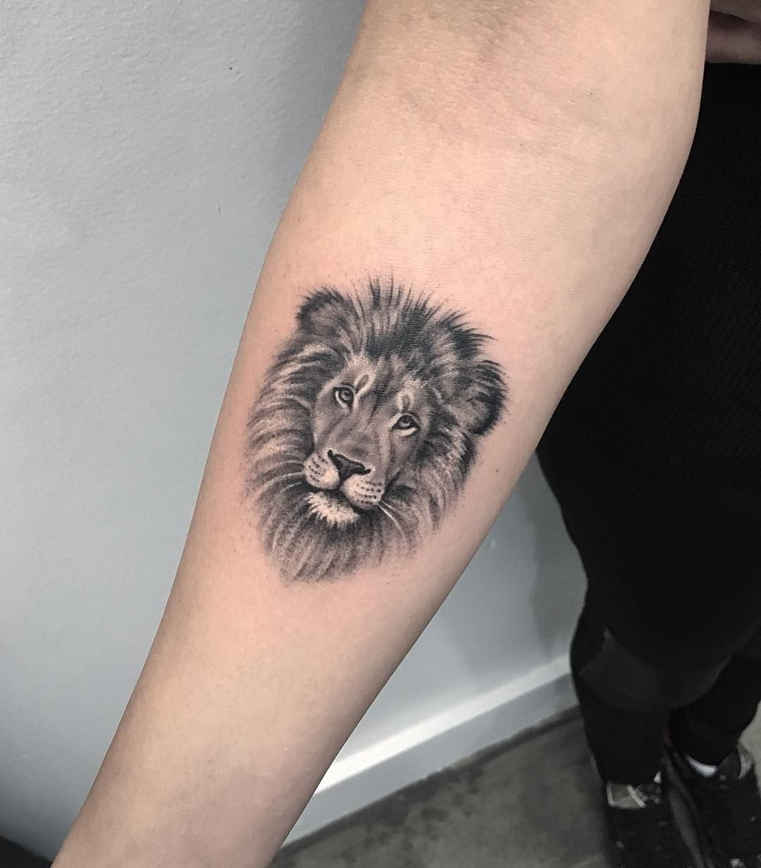 30 Animals Tattoos Ideas You Will Love Simple Lion Tattoo Tattoos Lion Head Tattoos